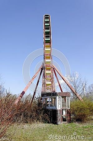 Free Abandoned Ferris Wheel Spreepark Stock Image - 37572181