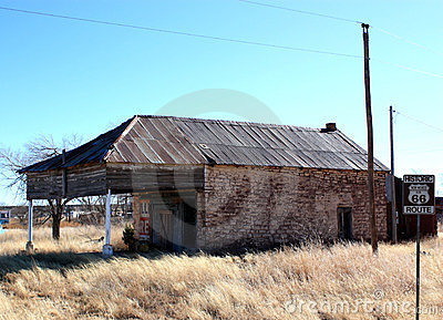 Abandoned gas station on route 66