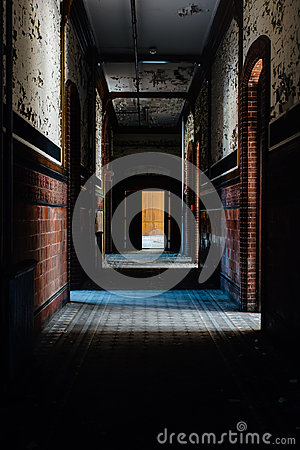 Free Abandoned School For Boys - Hallway With Tile And Peeling Paint Walls - New York Royalty Free Stock Photo - 95617895
