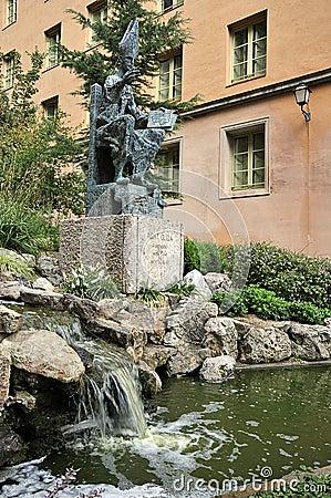 Abat Oliba sr monument