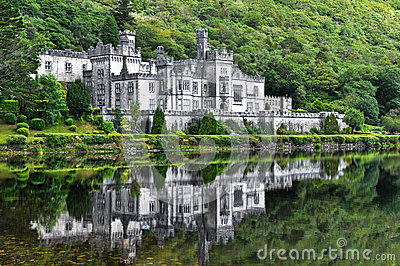 abbaye de kylemore irlande photo stock image 40573736. Black Bedroom Furniture Sets. Home Design Ideas