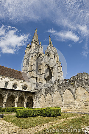 Abbey of St-Jean-des Vignes in Soissons