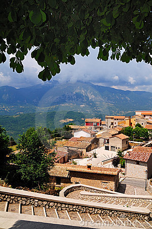 Free Abruzzo Typical Village Royalty Free Stock Photography - 5947047