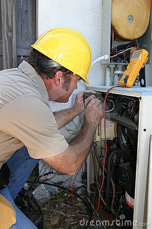 AC Tech Testing Voltage