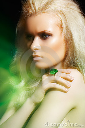 Accessories, jewelry. Glamour fashion beauty model