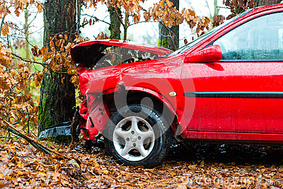 Accident - car crashed into tree