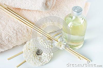 Aceite y palillos de la sandalia para los procedimientos del balneario