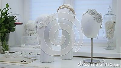 Acessório à moda do cabelo branco filme