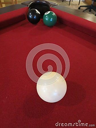 Acht Ball-starker Schuss -- Der Ball 8 blockiert das Loch