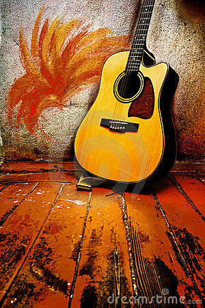 Free Acoustic Guitar Royalty Free Stock Images - 6023249