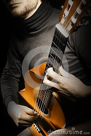 Free Acoustic Guitar Player Guitarist Royalty Free Stock Photos - 28533488