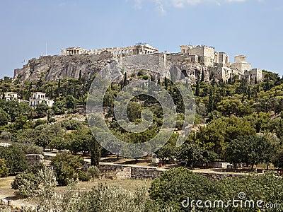 Acropolis från den Athens marknadsplatsen