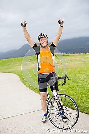 Free Active Senior Man Royalty Free Stock Images - 22807619