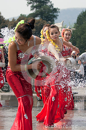 Free Actresses Performing In The Water-splashing Festival Royalty Free Stock Image - 71346326