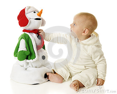 Adjusting the Snowman Scarf
