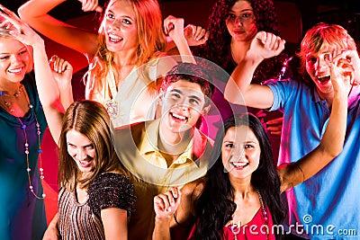 Adolescentes contentes