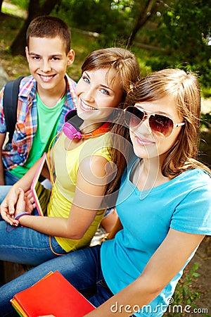 Adolescentes de sorriso