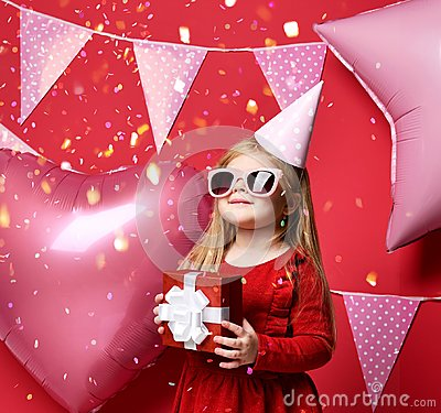 Free Adorable Pretty Girl With Pink Balloons And Red Present Gift And Birthday Cap Royalty Free Stock Photography - 108642427
