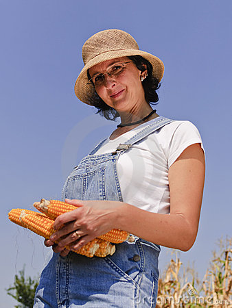 Adult woman with maize