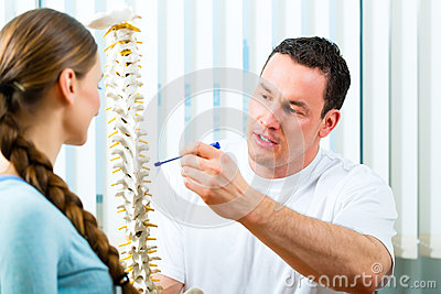 Advice - patient at the physiotherapy