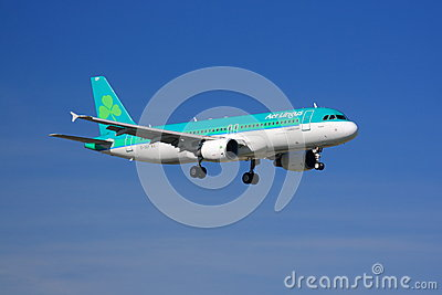 Aer Lingus Airbus A320 landing Editorial Stock Image