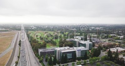 Aerial look right in the Samsung Research America SRA campus in Silicon Valley zbiory wideo