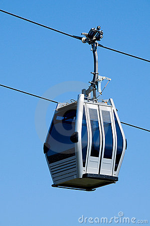 Free Aerial Tramway Royalty Free Stock Photography - 14668077