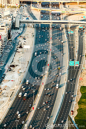 Free Aerial View Of Sheikh Zayed Highway Road In Dubai With Traffic In The Evening Royalty Free Stock Photography - 67397977