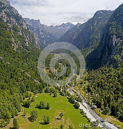 Free Aerial View Of The Mello Valley, A Valley Surrounded By Granite Mountains And Forest Trees, Renamed The Little Italian Yosemite Stock Photo - 109152980