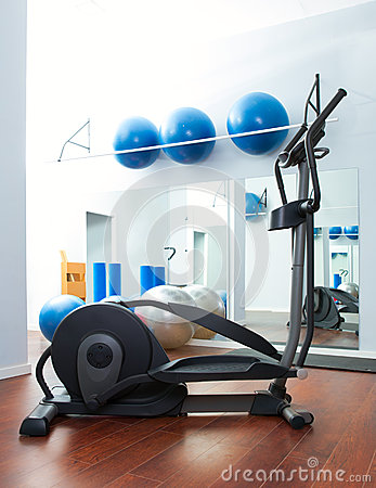 Aerobics cardio training elliptic crosstrainer