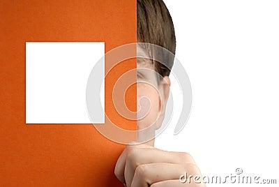 Affärsmannen rymmer det paper arket