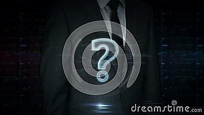 Affärsmanpekskärm med hologrammet för symbol för frågefläck lager videofilmer