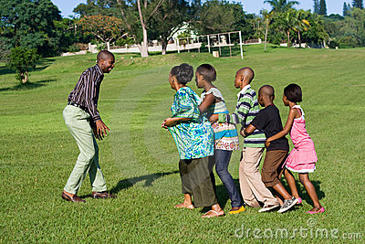 African family play game