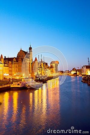 Aftonljus av den Motlawa kajen, Gdansk