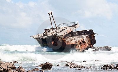 Aghullas shipwreck lying on the rocks