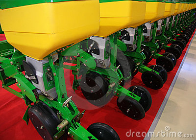 Agricultural equipment for fertilizer of earth