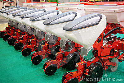 Agricultural equipment for fertilizer of field