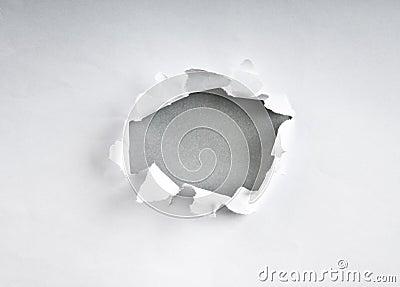 Agujero en el papel