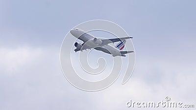 Air France Airbus oben im Himmel stock video
