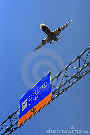 Free Air Plane Take Off Royalty Free Stock Photo - 5141065