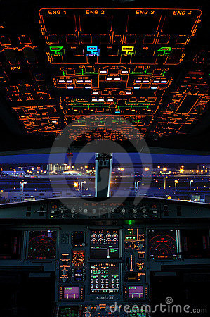 Free Airbus Cockpit Royalty Free Stock Photos - 5885568