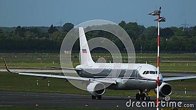 Airbus A32 von Aeroflot-Fluglinien mit Retro- Livree stock video footage