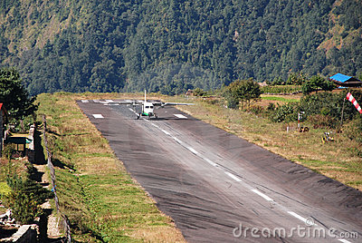 Aircraft landing to Lukla airport (LUA)