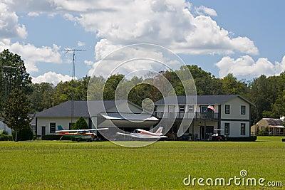 Airpark hangar house 2