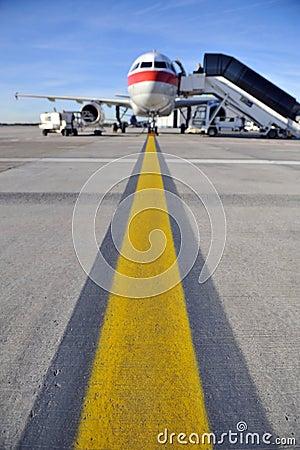 Free Airplane On Runway Royalty Free Stock Photo - 8118875