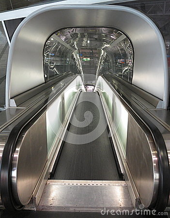Airport travelator
