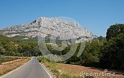 Aix en Provence stone mountain St. Victoire