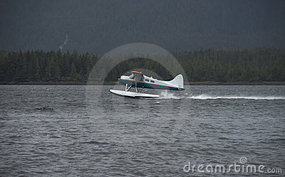 Alaska Bush Pilot Take Off Float Plane