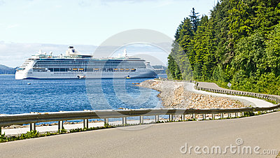 Alaska Hoonah Road to Icy Strait Point Cruise Ship Editorial Stock Image