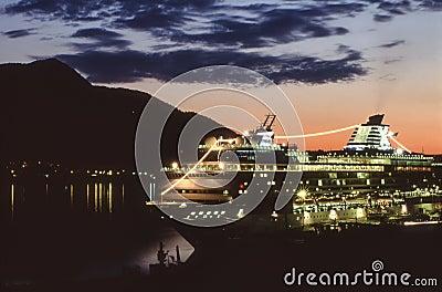 Alaska - Juneau - Cruise-ship